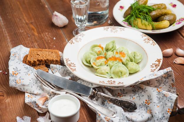 Ресторан «Katyusha», Санкт-Петербург: Пельмени с ладожской щукой, томленым маслом и красной икрой