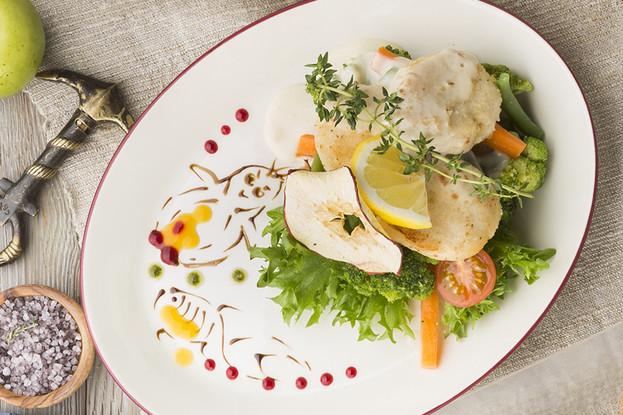 Ресторан «Антоновка», Санкт-Петербург: Щучьи котлетки с паровыми овощами