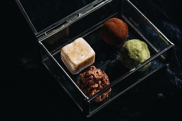 Ресторан «Dozari», Санкт-Петербург: Ассорти мини конфет ручной работы