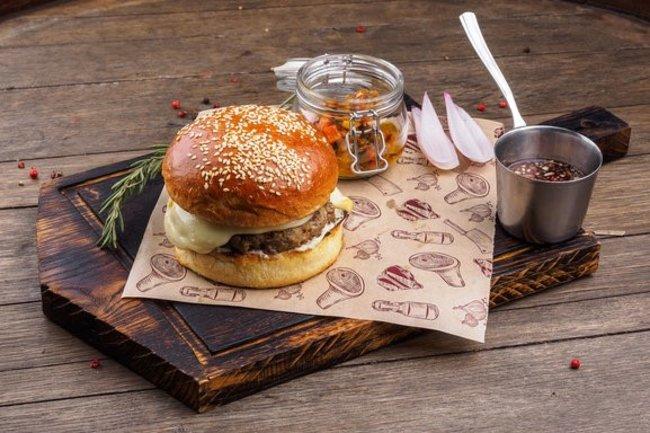 Bretzel: Бургер «Кайзер»