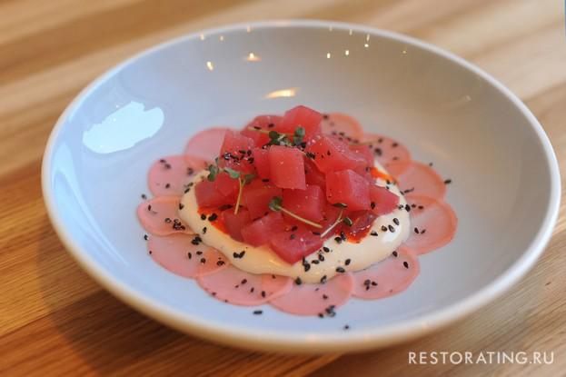 Ресторан «Мы дружим», Санкт-Петербург: Тунец с редисом и кремом из тофу