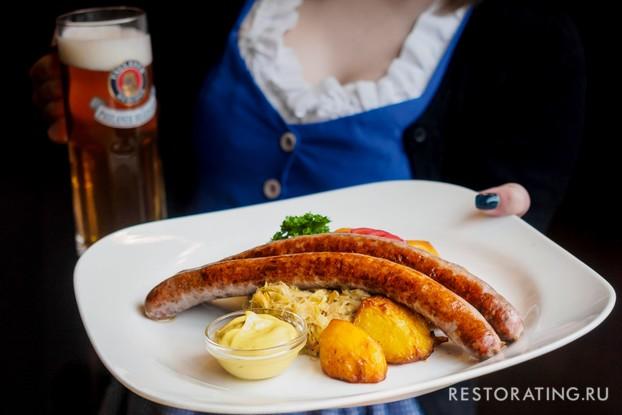 Ресторан «Paulaner Nevsky Prospekt», Санкт-Петербург: Тюрингские колбаски и пиво