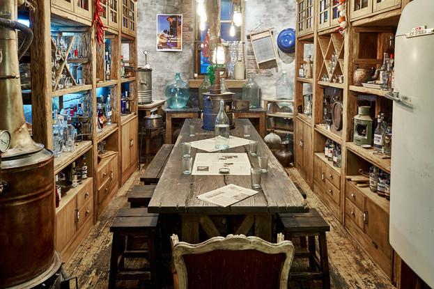 ресторан «Мари Vanna», Санкт-Петербург: Самогонная комната