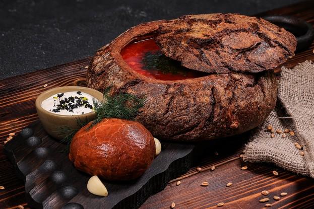 Ресторан «The River Restaurant», Санкт-Петербург: Борщ в хлебе